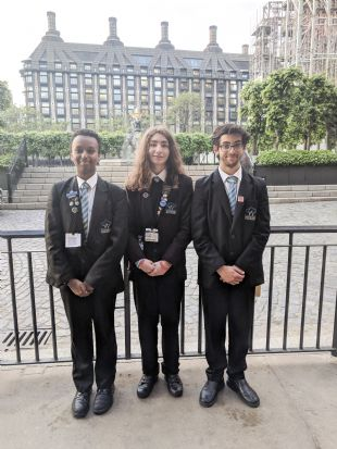WOODSIDE STUDENTS CAMPAIGN FOR GENDER EQUALITY IN PARLIAMENT
